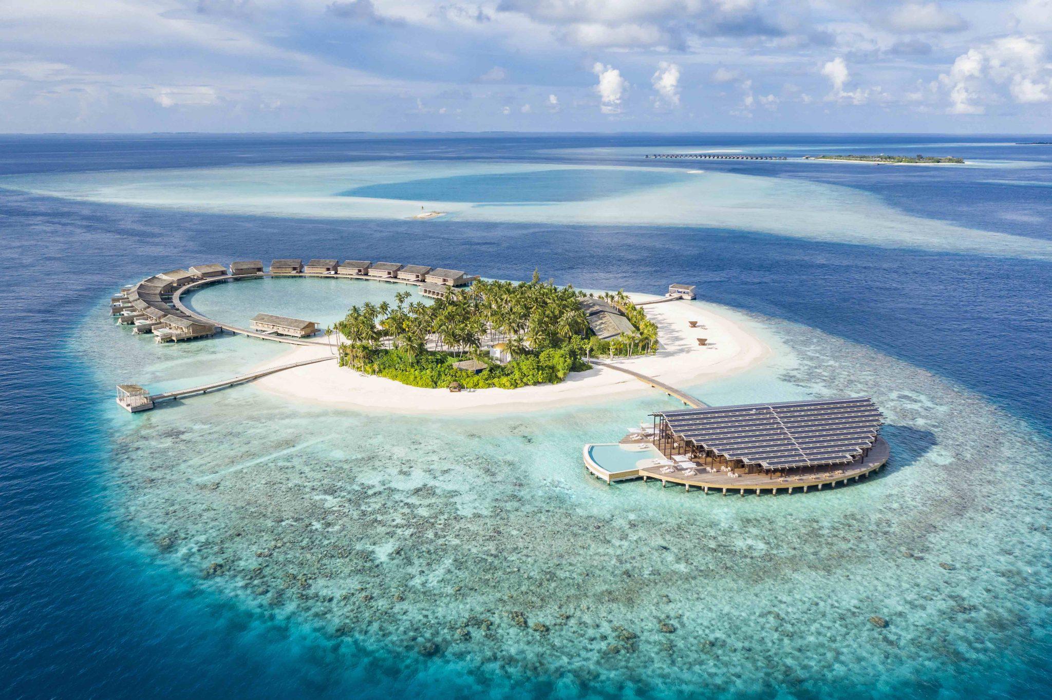 Aerial view of Kudadoo Maldives Private Island ©DiegoDePol_01260