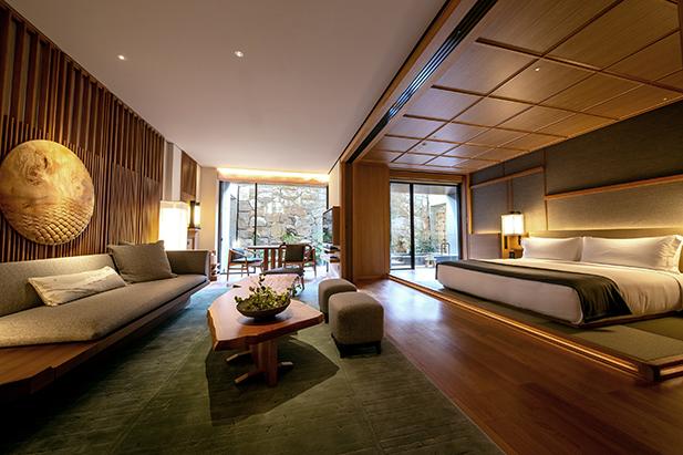 onsen suite spotlight communications matsui japan